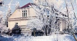 Spacer po osiedlu Gołąbki - po szlacheckiej wsi, gdzie mieszkali prezydent i premier Polski